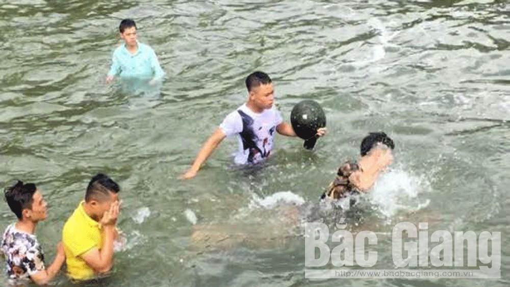 Xác minh đối tượng đánh người ở hồ Khuôn Thần